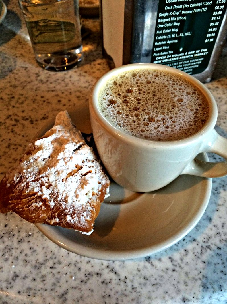 Coffee black or au lait Au Lait, mixed half and